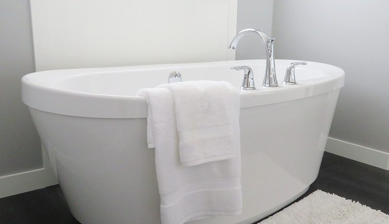 How to Clean Bathtub Jets