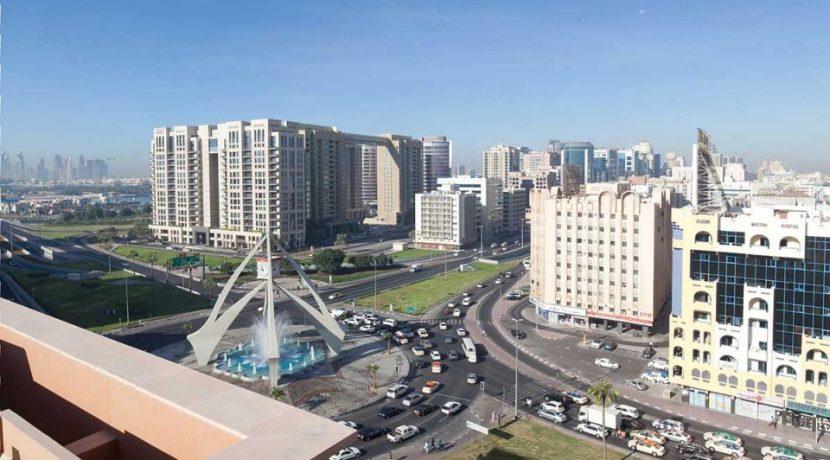 Dubai's real estate prices