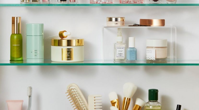 10 Smart Bathroom Shelf Ideas to Keep Your Towels and Toiletries Under Control